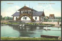 pc aut lundenburger rv 1908 boathouse with 2x and 1x on the water
